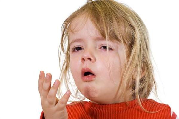 80% nguyên nhân gây viêm mũi họng ở trẻ là do vi rút, kháng sinh không có tác dụng.