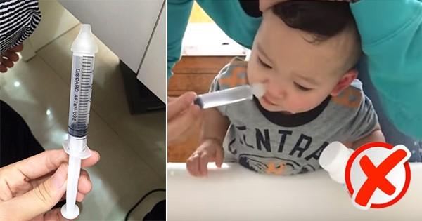 Mẹ không nên dùng xi-lanh, kể cả loại nhỏ khi rửa mũi cho con (Ảnh minh họa)